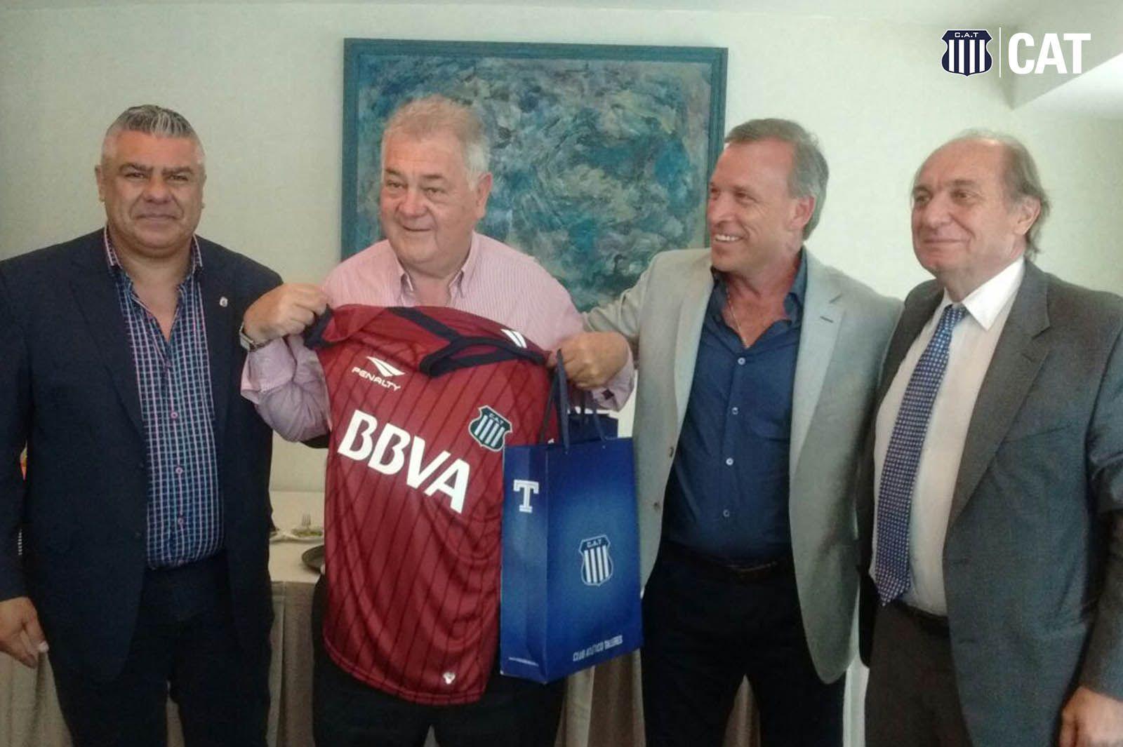 Otros tiempos. Emeterio Farías y Andrés Fassi, cuando la Liga Cordobesa de Fútbol y Talleres mantenían buenas relaciones.