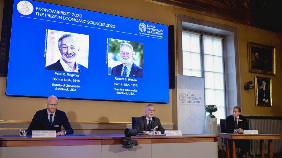 Dos estadounidenses ganan el Nobel de Economía por su búsqueda de la subasta perfecta.