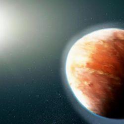 Un equipo de astrónomos se ha dedicado a estudiar la atmósfera de este planeta y han encontrado 7 tipos de metales flotando en forma de vapor.