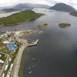 El tubo submarino buscará solucionar el grave problema de agua que sufren los habitantes de la isla.