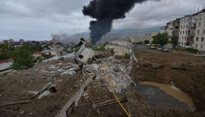 Stepanakert, capital de Nagorno, luego de un bombardeo azerí.