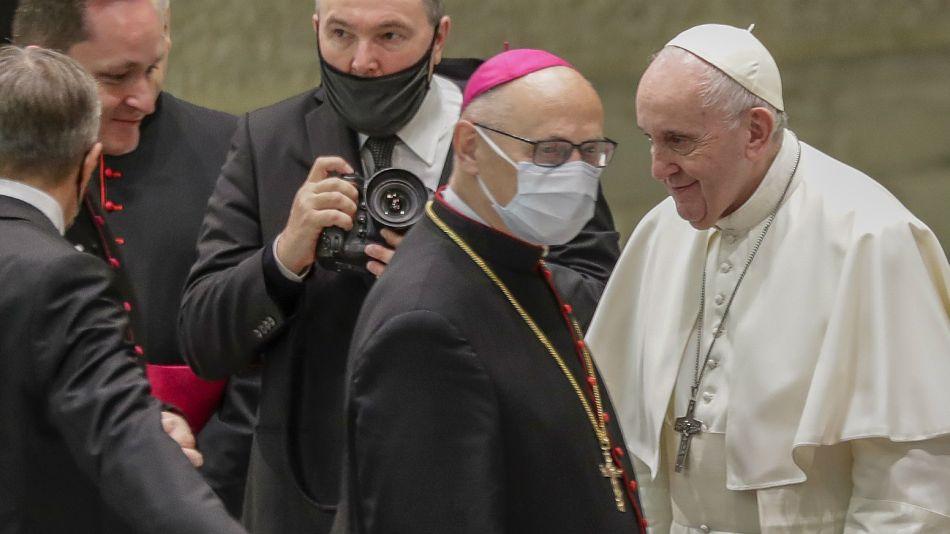 Papa Francisco mantuvo una reunión con sus asesores.