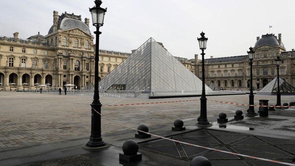 Paris toque de queda