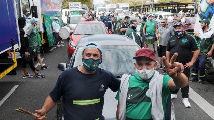 La caravana de trabajadores en la avenida 9 de Julio por el recuerdo del 17 de octubre.