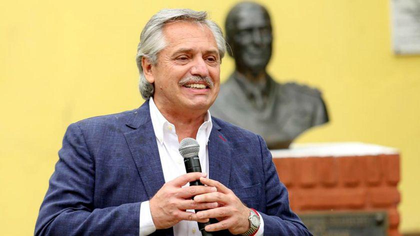 el-presidente-alberto-fernandez-en-el-acto-de-la-isla-martin-garcia-por-el-17-de-octubre-dia-de-la-l