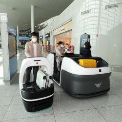 El aeropuerto internacional de Incheon busca ser conocido como inteligente al incorporar robots y transportes sin conductor para el servicio de los viajeros.