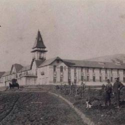El Club Hotel Sierra de la Ventana, hoy en ruinas, fue el centro turístico de la zona desde 1911