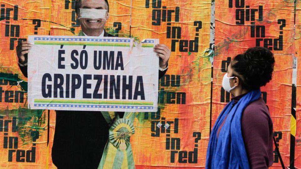 """Bolsonaro había asegurado que la pandemia era solo """"una gripecita""""."""