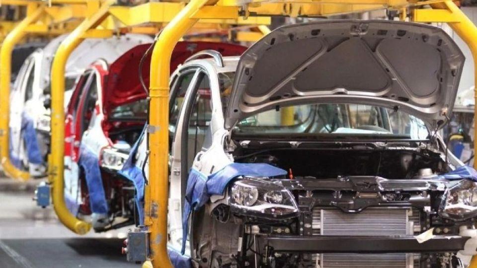 Durante la fabricación de autos, las operaciones de pintado y recubrimiento determinan el 56% de las emisiones atmosféricas.