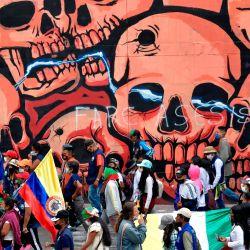 Indígenas colombianos se manifiestan contra el gobierno en el marco de una    Foto:Raúl Arboleda / AFP