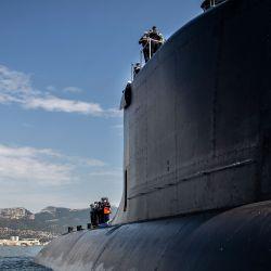 Esta fotografía muestra el nuevo submarino de ataque nuclear de la armada francesa Suffren, una clase Barracuda, llegando a la rada de Toulon. | Foto:Naval Group / AFP