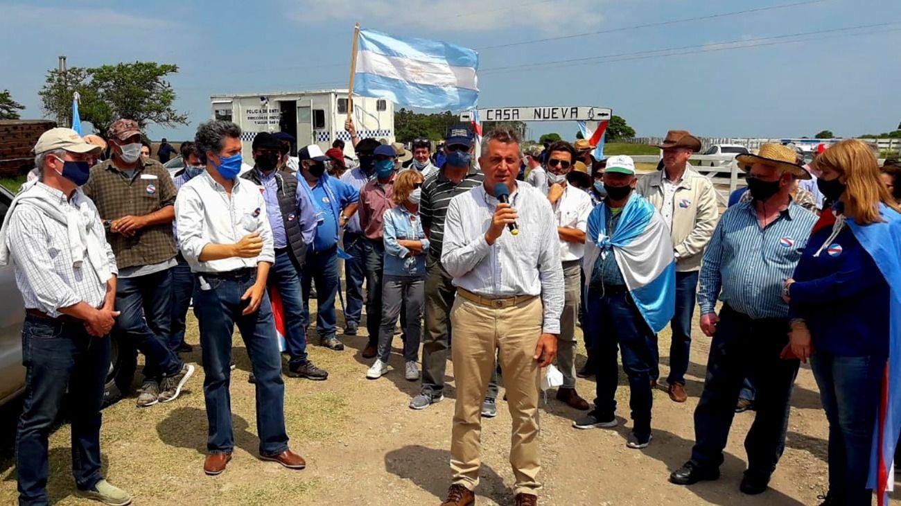 """Productores reclamaron contra la """"toma"""" de Grabois en el campo de Etchevehere."""