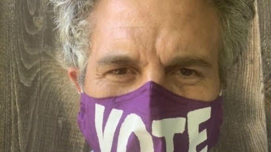 Desnudos para que todos vayan a votar