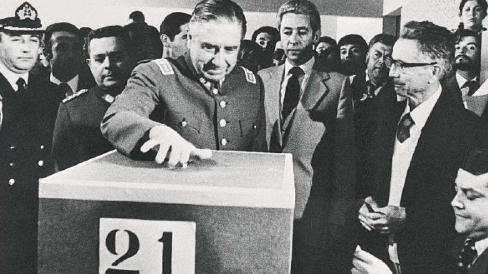 20201025_pinochet_chile_votacion_cedoc_g