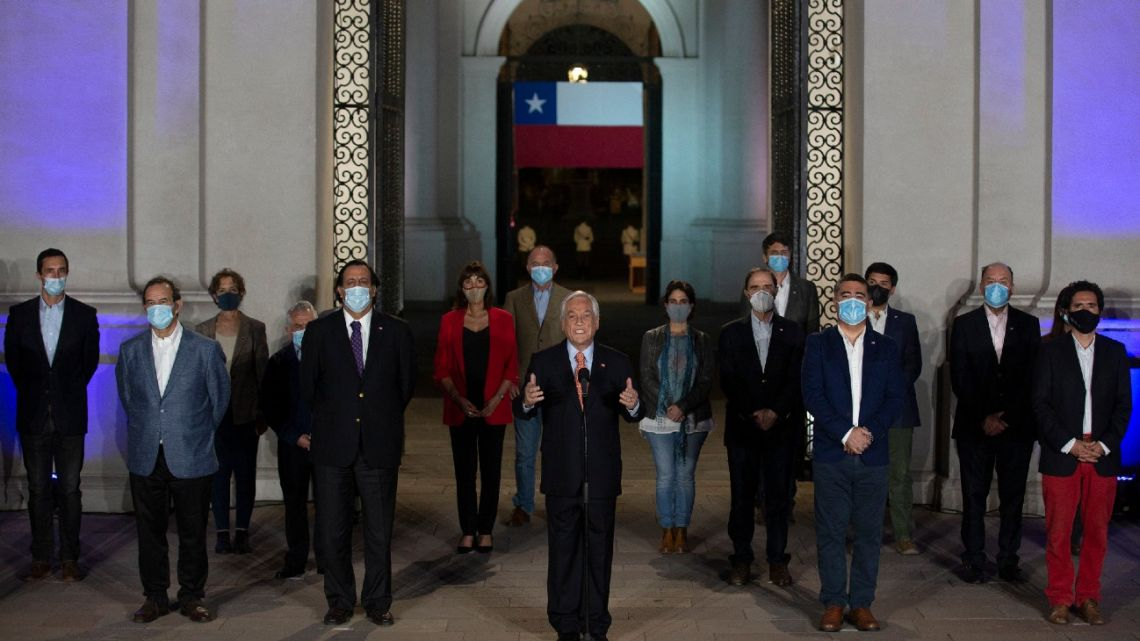 Chile's President Sebastián Piñera speaks at La Moneda presidential palace, in Santiago on October 25, 2020 following the results of the constitutional referendum voting.