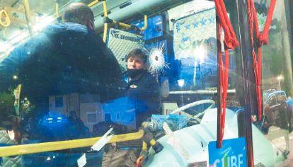 Colectivo. El interno 106 de la línea 47, tras el trágico asalto en Villa Lugano.