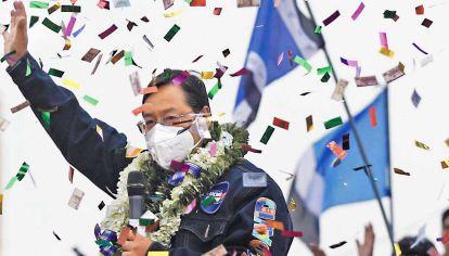 Papeles. El presidente electo, un tecnócrata que sorprendió. Luis Fernando Camacho debilitó a la derecha al dividirla.