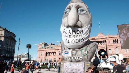 Caravana en Congreso homenaje a Néstor Kirchner.