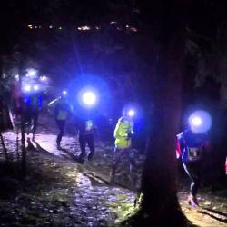 Al correr de noche hay que asegurarse de llevar buena iluminación personal.
