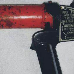Cómo funcionaba la pistola Antifyre creada para combatir incendios