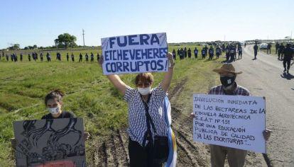 Marcha Por la toma del campo de los Etchevehere en Entre Ríos