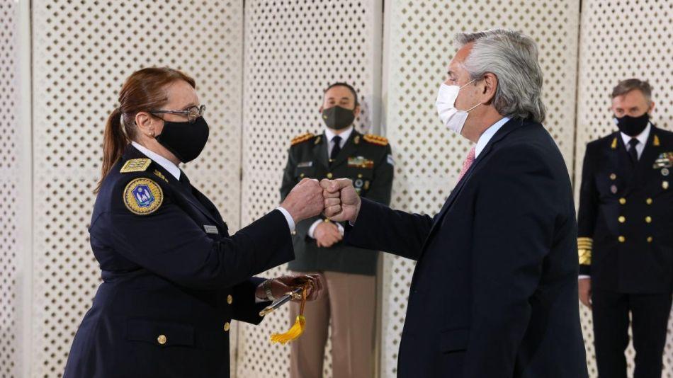 Alberto Fernández reconoció a uniformados en la residencia de Olivos
