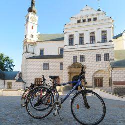 En Pardubice se puede recorrer la orilla del río Elba en bicicletas de alquiler que ofrece el servicio ferroviario. Foto: Larissa Loges/dpa