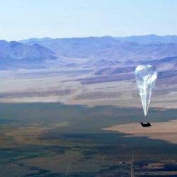 Poner en vuelo uno de estos globos implica un gran trabajo previo.