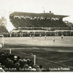 Así se veía el estadio de Gimnasia y Esgrima La Plata a principios del siglo pasado.