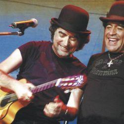 Diego Maradona disfruta de un recital junto a Joaquín Sabina.  // Cedoc Perfil
