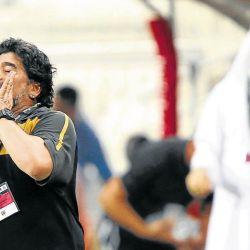 Su paso por el fútbol de Emiratos Árabes como director técnico del Al-Wasl.  // Cedoc Perfil