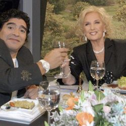 Diego Maradona se sentó en la mesa de Mirtha Legrand. // Cedoc Perfil