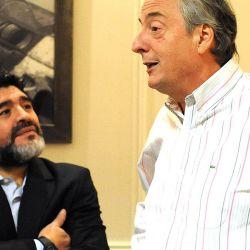 Diego Maradona charla con Néstor Kirchner. // Cedoc Perfil