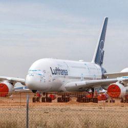 La reducción drástica de vuelos y pasajeros ha llevado a las empresas a recortar sus presupuestos.