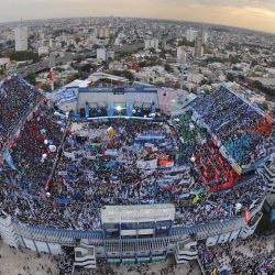 Después de casi 7 meses sin fútbol, Vélez sale a la cancha. Así se ve el estadio desde un dron.