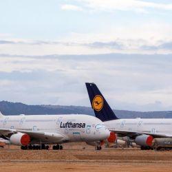 Otros aparatos con cuatro motores, como el modelo mayor de Airbus, el A380, con más de 500 asientos, o el A340, se están eliminando gradualmente.