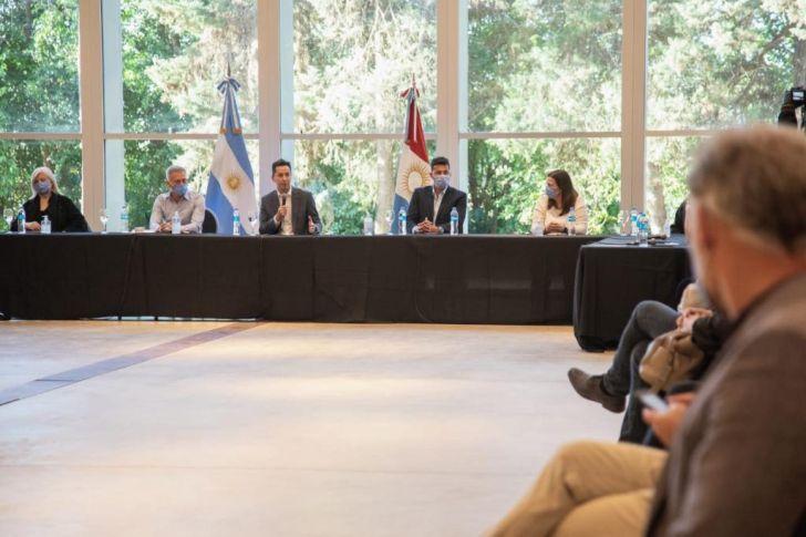 CUMBRE PARA VOLVER. La Provincia se reunió con cámaras del sector privado. El turismo provincial volvería entre el 20 de noviembre y el 1 de diciembre.
