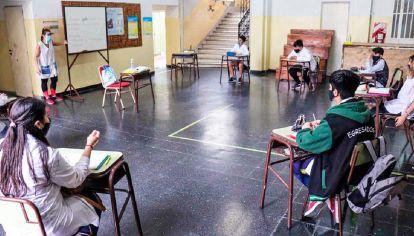 Experiencia. En la Ciudad, alumnos de los últimos años del secundario volvieron a las escuelas.