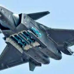 Los cazas chinos J-20 están diseñados con una tecnología furtiva que dificulta su detección por parte de las aeronaves enemigas.