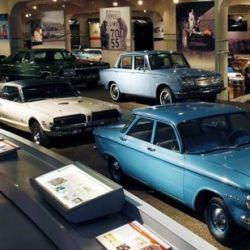 Allí no puede faltar una visita al Museo Henry Ford, donde se detalla toda la historia de esta industria.