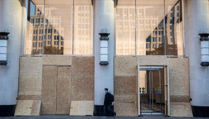 Elecciones en Estados Unidos comercios cierran por miedo a los disturbios