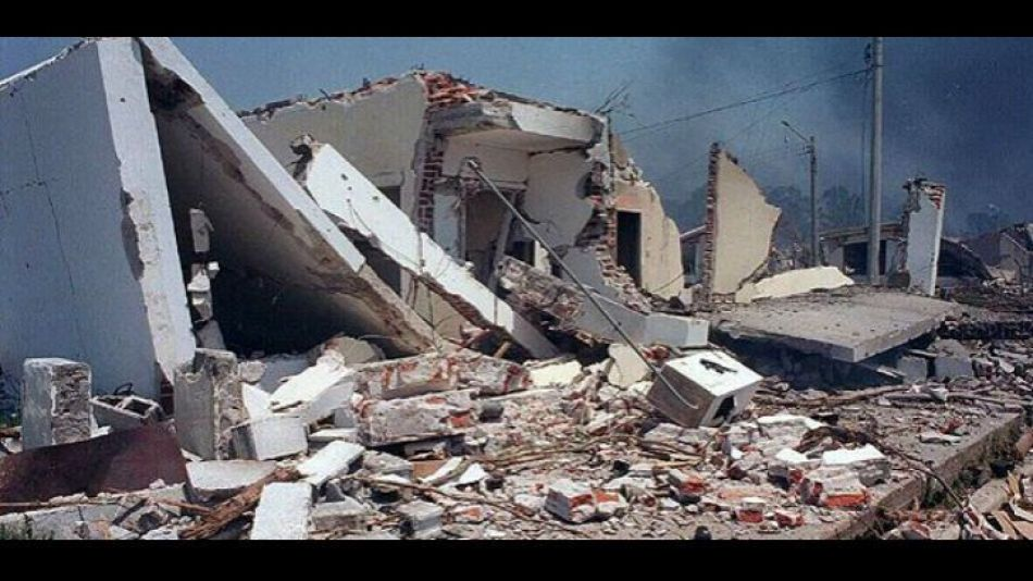 Destrozos luego de la explosión en Río Tercero.