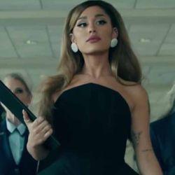 Ariana y su nuevo y a la vez conocido look.