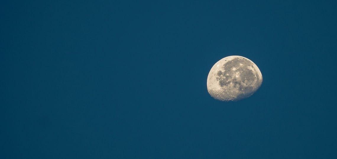 Luna de hoy en Géminis, la más reveladora: así afecta a tu signo el 1 de diciembre