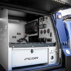 Para este modelo en particular, la caja trasera se reemplazó por un módulo fabricado a medida por PCOR.