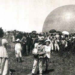 El 25 de diciembre del año 1907,Anchorena realizó el primer vuelo en el país con apoyos y medios ciento por ciento nacionales.