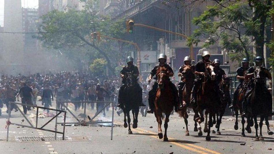 policías a caballo 20201106