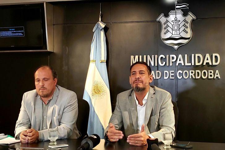 A RECAUDAR. Pintucci junto al secretario de Gobierno Siciliano. El municipio busca recomponer parte de las finanzas dañadas.
