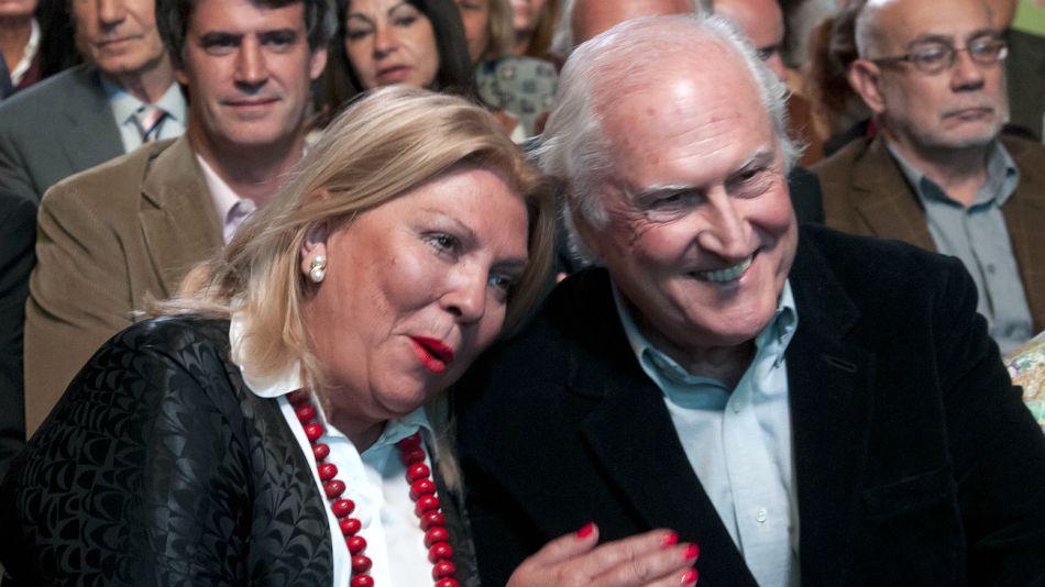 Una foto de 2013, Carrió y Pino en un acto del Frente Unen.
