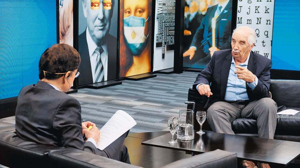 Alberto Buela Lamas, en la entrevista con Jorge Fontevecchia.